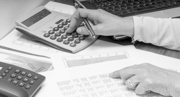 Tőzsdei, befektetési tudást felmérő kalkulátor