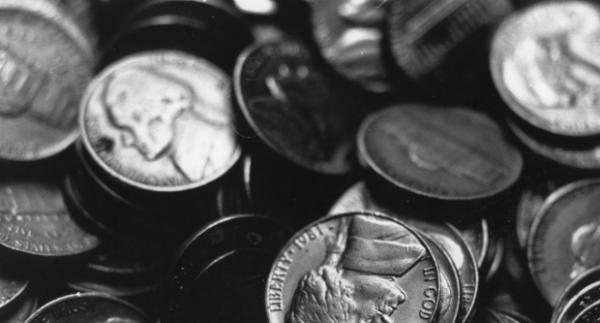 Fej vagy írás? - a feldobott pénz megmutatja a jövőt