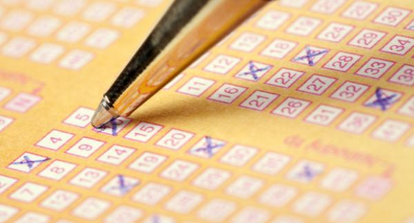 Nyerő lottószámok a múltban - kalkulátor